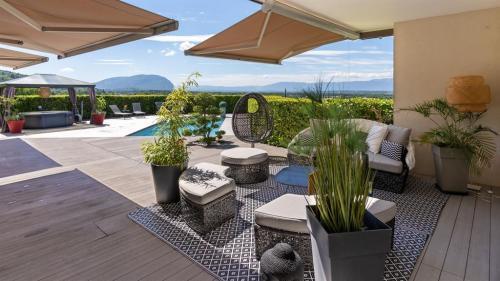 Luxury Property for sale SAINT CERGUES, 276 m², 5 Bedrooms, €1095000