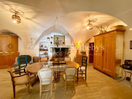 Casa di lusso in vendita EYGALIERES, 140 m², 3 Camere, 650000€