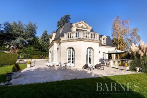 Maison de luxe à vendre LA CELLE SAINT CLOUD, 300 m², 5 Chambres, 2300000€