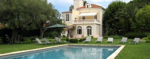 Luxus-Haus zu vermieten CAP D'ANTIBES, 250 m², 6 Schlafzimmer,