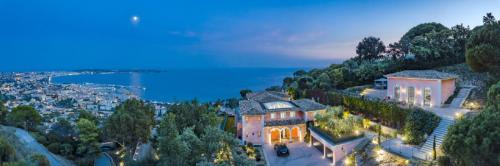 Maison de luxe à louer CANNES, 900 m², 9 Chambres,