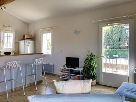Luxury Apartment for rent SAINT REMY DE PROVENCE, 59 m², 2 Bedrooms, €840/month