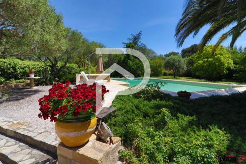 Luxus-Haus zu verkaufen SANARY SUR MER, 160 m², 4 Schlafzimmer, 1190000€