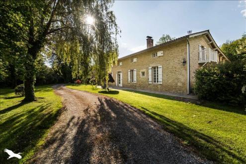 Casa di lusso in vendita NOAILLAN, 360 m², 4 Camere, 842400€