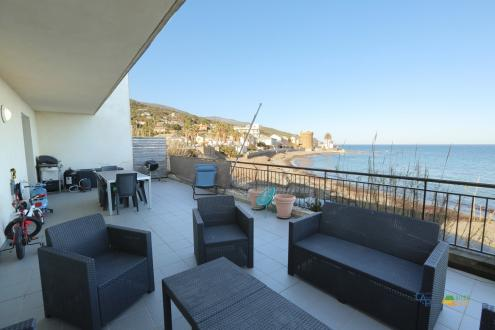 Maison de luxe à vendre MIOMO, 360 m², 8 Chambres, 1580000€