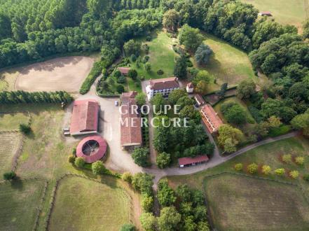 Luxus-Schloss / Herrenhaus zu verkaufen CLERMONT FERRAND, 1337 m², 14 Schlafzimmer, 1900000€