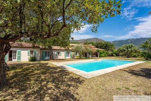Propriété de luxe à vendre LE LAVANDOU, 200 m², 5 Chambres, 1790000€