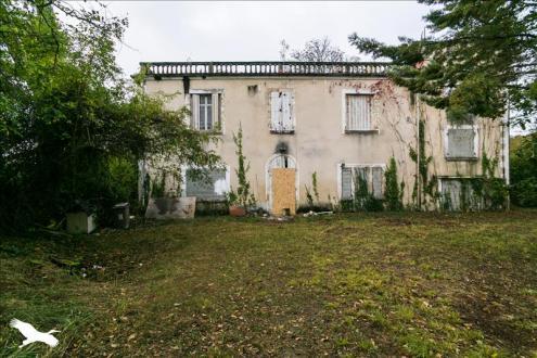 Maison de luxe à vendre AUCH, 297 m², 4 Chambres, 507666€