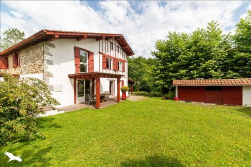 Дом класса люкс на продажу  Камбо-Ле-Бэн, 395 м², 11 Спальни, 816400€