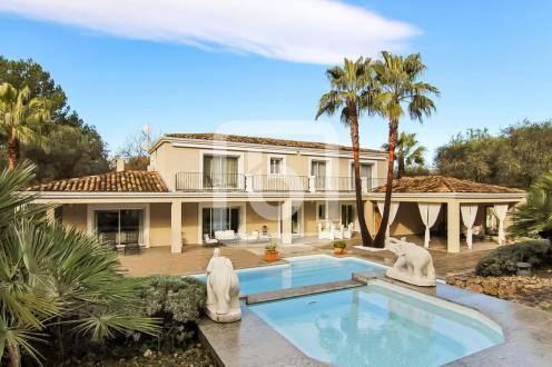 Propriété de luxe à vendre MOUGINS, 272 m², 4 Chambres, 1870000€