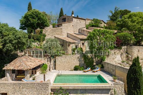 Casa di lusso in vendita BONNIEUX, 195 m², 3 Camere, 1250000€