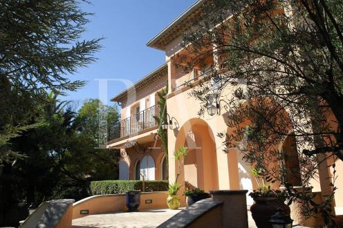 Villa de luxe à vendre LES ISSAMBRES, 750 m², 10 Chambres