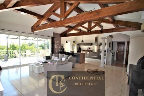 Luxus-Haus zu verkaufen LA CIOTAT, 230 m², 6 Schlafzimmer, 948000€