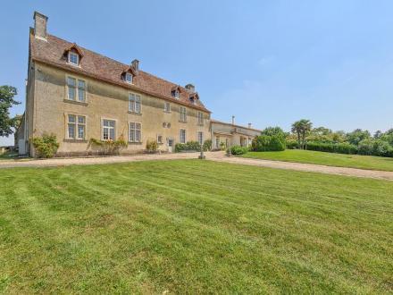 Château / Manoir de luxe à vendre VERTEUIL SUR CHARENTE, 585 m², 6 Chambres, 1200150€