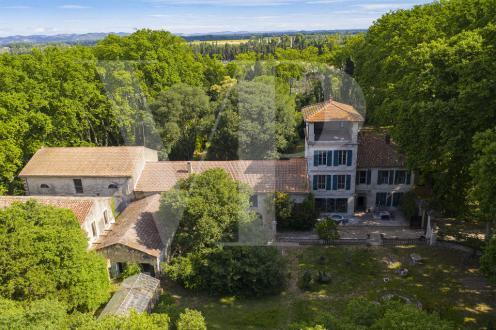 Luxus-Haus zu verkaufen SAINT REMY DE PROVENCE, 1840 m², 15 Schlafzimmer, 2332000€