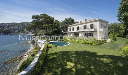 Maison de luxe à louer SAINT JEAN CAP FERRAT, 350 m², 5 Chambres,
