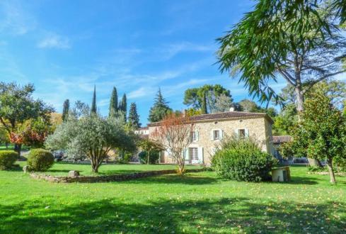 Luxe Huis te koop UZES, 800 m², 7 Slaapkamers, 740000€