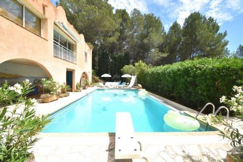 Maison de luxe à vendre LES MILLES, 360 m², 6 Chambres, 1090000€