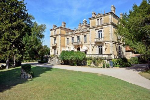 Villa de luxe à vendre PERNES LES FONTAINES, 630 m², 7 Chambres, 3800000€
