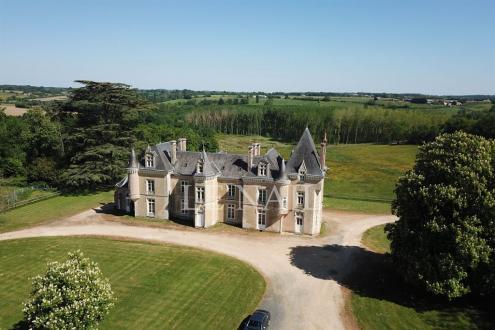 Château / Manoir de luxe à vendre LE MANS, 630 m², 15 Chambres, 905000€
