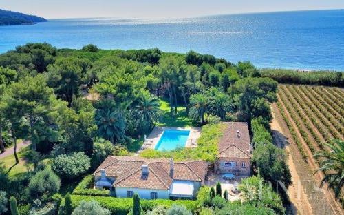Casa di lusso in affito LA CROIX VALMER, 200 m², 5 Camere,