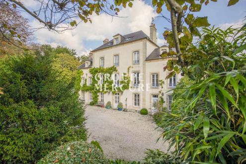 Luxus-Liegenschaft zu verkaufen CAEN, 700 m², 13 Schlafzimmer, 1700000€