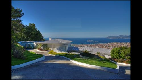Luxury House for rent CANNES, 2300 m², 20 Bedrooms,