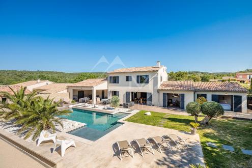 Villa di lusso in vendita CABRIERES D'AVIGNON, 211 m², 4 Camere, 1080000€