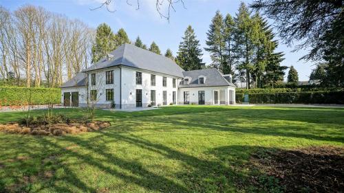 Luxe Villa te koop SINT GENESIUS RODE, 750 m², 6 Slaapkamers, 4150000€