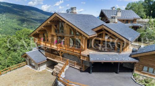 Luxus-Chalet zu vermieten MERIBEL LES ALLUES, 660 m², 6 Schlafzimmer,