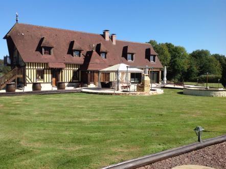 Luxus-Liegenschaft zu verkaufen BOURGEAUVILLE, 4 Schlafzimmer, 819000€
