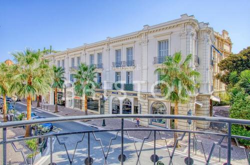 Luxury Apartment for sale BEAULIEU SUR MER, 200 m², 3 Bedrooms, €1200000