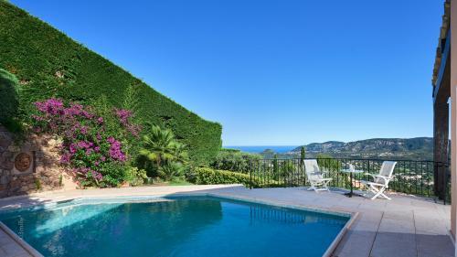Luxus-Haus zu verkaufen MANDELIEU LA NAPOULE, 289 m², 3 Schlafzimmer, 1650000€