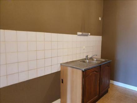 Luxe Huis te huur CHALAIS, 80 m², 3 Slaapkamers, 415€/maand
