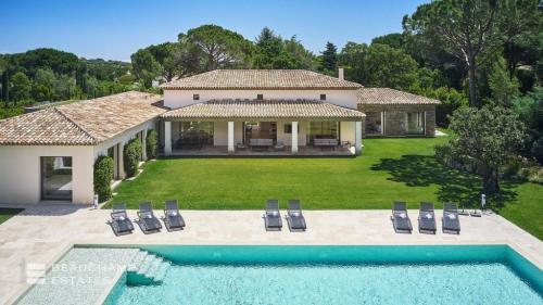 Luxe Villa te koop SAINT TROPEZ, 390 m², 5 Slaapkamers
