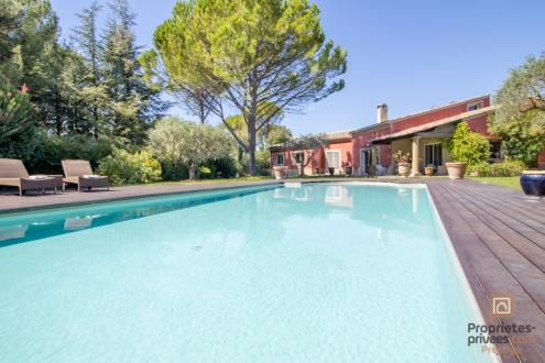 Luxury Villa for sale CARPENTRAS, 275 m², 4 Bedrooms, €621000