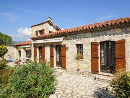 Villa de luxe à vendre TOURRETTES, 117 m², 3 Chambres, 650000€