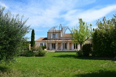 Maison de luxe à vendre VAISON LA ROMAINE, 184 m², 6 Chambres, 650000€