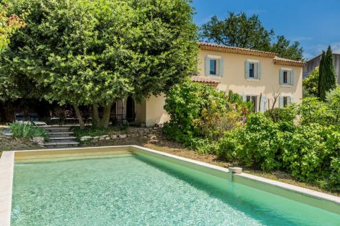 Villa di lusso in vendita OPPEDE, 150 m², 3 Camere, 595000€