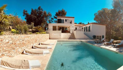 Luxury House for rent BORMES LES MIMOSAS, 210 m², 5 Bedrooms,