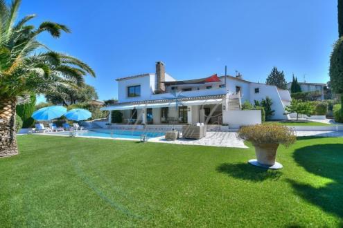 Maison de luxe à vendre FREJUS, 230 m², 5 Chambres, 1080000€