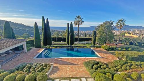 Luxury House for rent CANNES, 550 m², 5 Bedrooms,