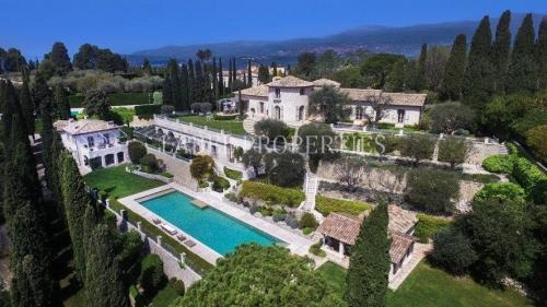 Luxury House for rent MOUGINS, 650 m², 8 Bedrooms,