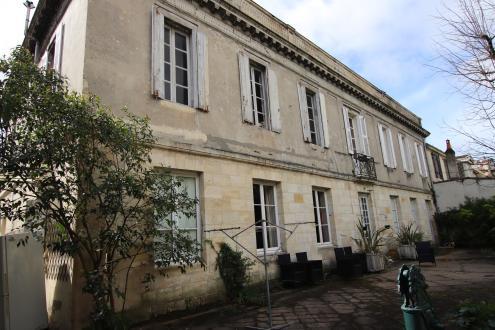 Квартира класса люкс на продажу  Бордо, 258 м², 7 Спальни, 1340000€