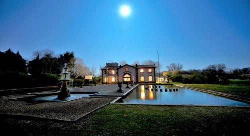 Château / Manoir de luxe à vendre SAINT GILLES, 500 m², 9 Chambres, 1200000€
