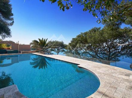 Maison de luxe à louer ROQUEBRUNE CAP MARTIN, 700 m², 6 Chambres,