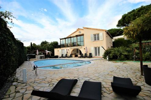 Luxury House for rent CAP D'ANTIBES, 300 m², 5 Bedrooms,