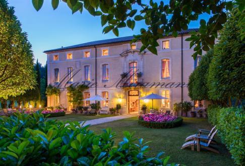 Château / Manoir de luxe à vendre AVIGNON, 700 m², 5900000€
