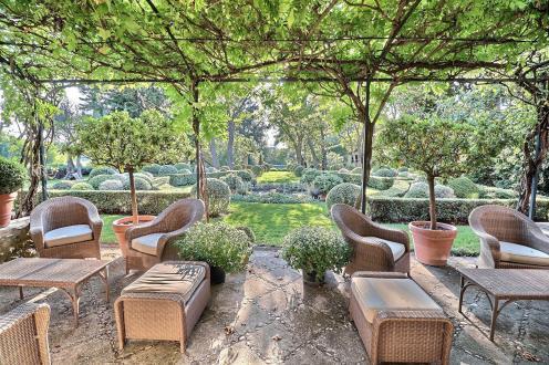 Propriété de luxe à vendre LOURMARIN, 500 m², 7 Chambres, 10000000€
