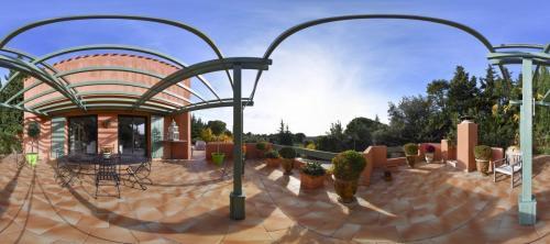 Luxury Property for sale LES BAUX DE PROVENCE, 250 m², 4 Bedrooms, €1961000